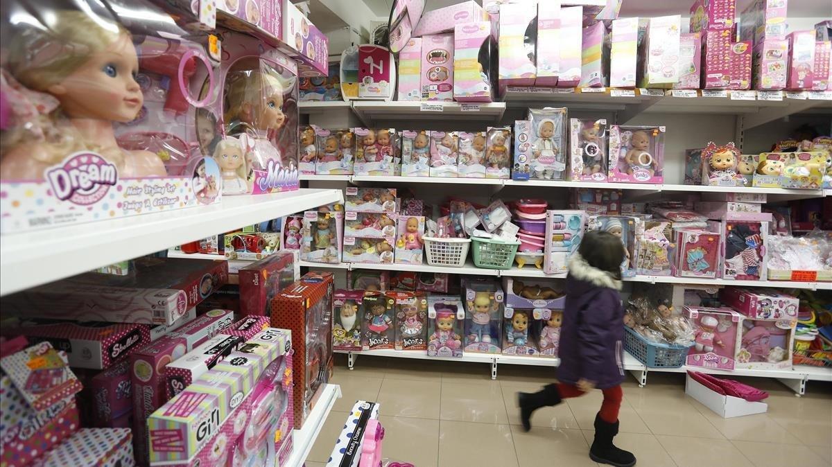 El rosa domina los juguetes de las niñas.