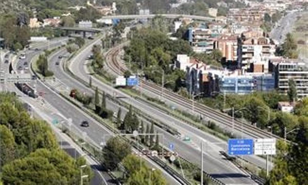 Els veïns de Les Botigues de Sitges i Garraf podran trencar el confinament municipal per anar a Castelldefels
