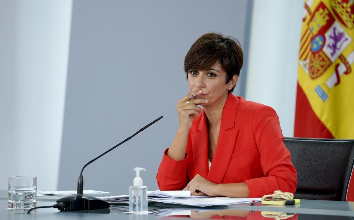 Isabel Rodríguez, ministra portavoz, durante la rueda de prensa posterior al Consejo de Ministros.