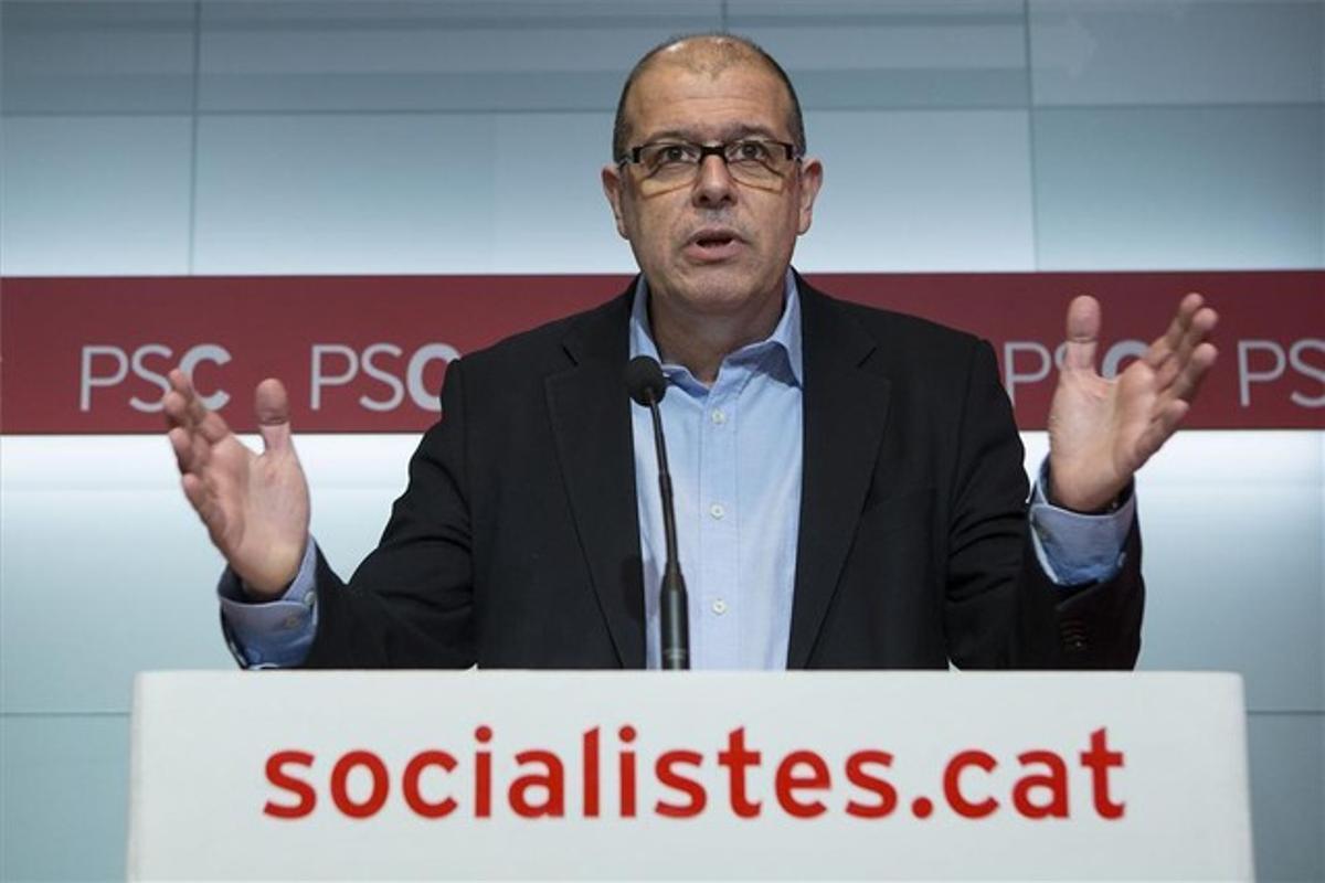 José Zaragoza, en la rueda de prensa de ayer en la sede del PSC en Barcelona.
