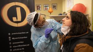 Tests de antígenos en El Punt Jove Covid de Sant Boi