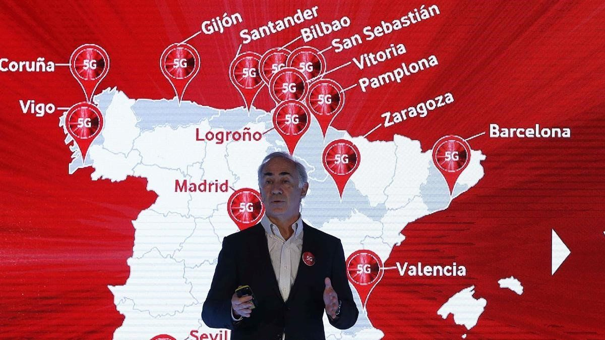 El presidente de Vodafone Espana,Antonio Coimbradurante la presentacionde los servicios 5G.
