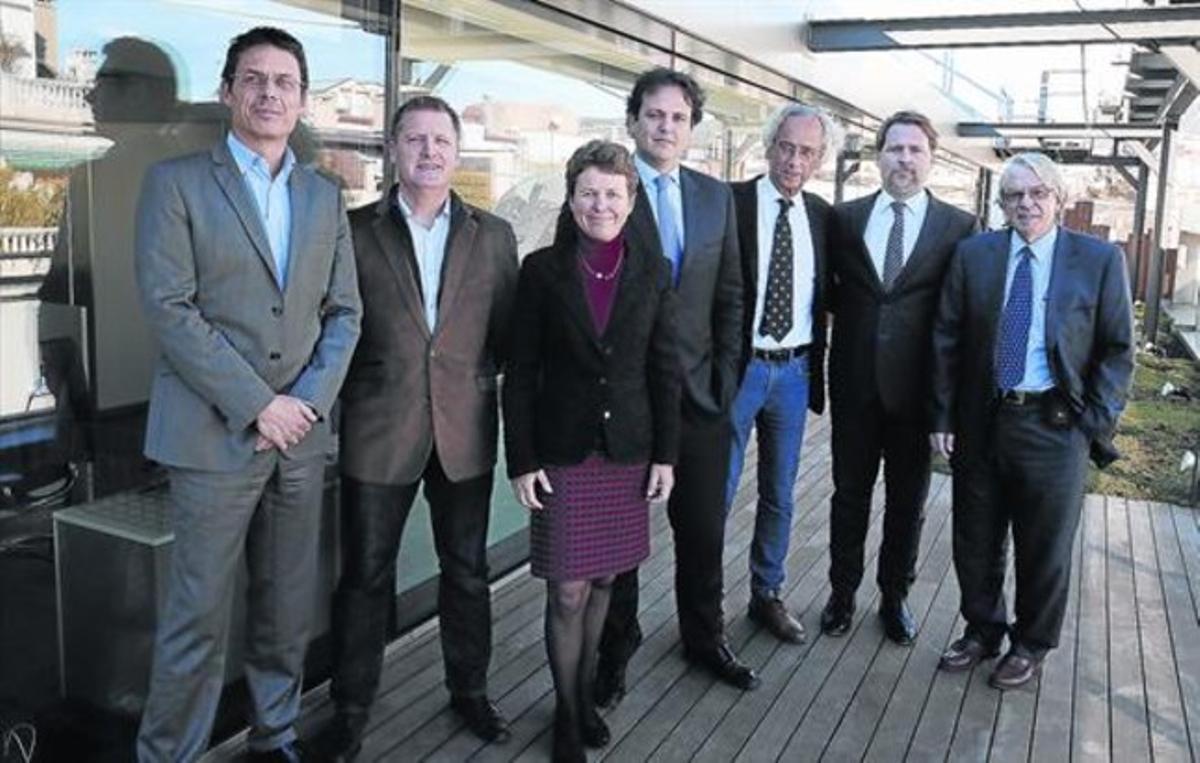 De izquierda a derecha Jordi Naval, Christian Brander, Karen Wagner (Ysios), José Antonio Mesa, Bonaventura Clotet, Josep Lluís Sanfeliu, y JosepMaria Gatell.