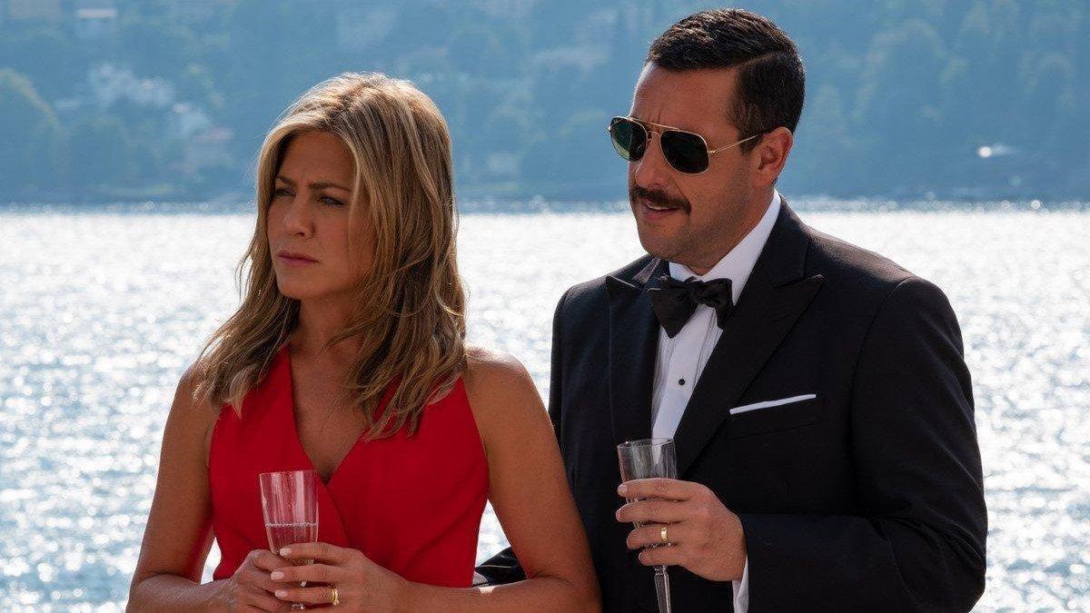 Jennifer Aniston y Adam Sandler, en 'Criminales en el mar'