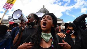 Una activista antiracista en estat greu després de ser ferida de bala a Londres