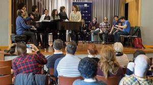 Lectores de EL PERIÓDICO asisten a un ensayo de 'Fang i setge' en el auditorio de la SGAE.