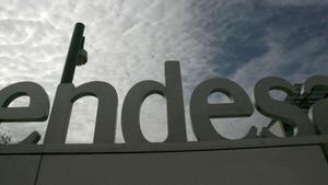 Fachada de la sede social de la empresa eléctrica Endesa, en Madrid