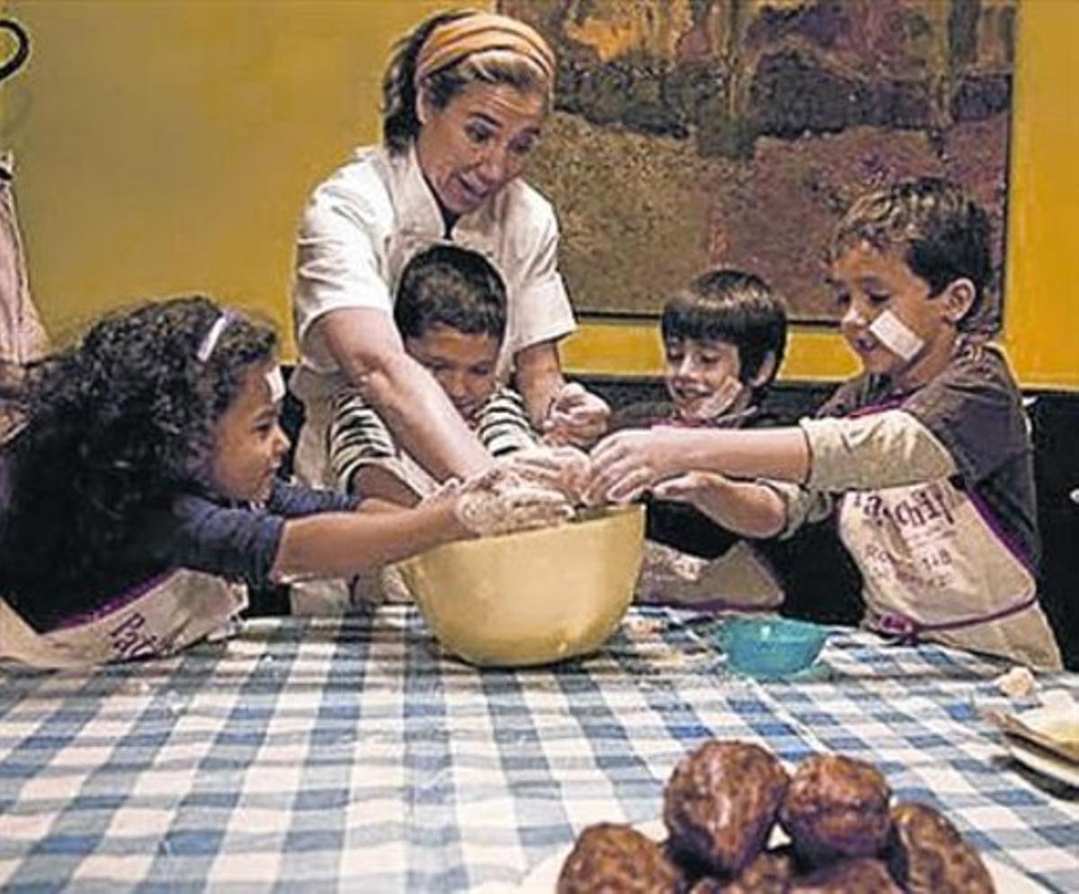 Ada Parellada, en su taller infantil de Semproniana.