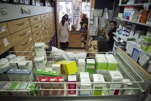 Provisión de medicamentos de una farmacia de Barcelona.