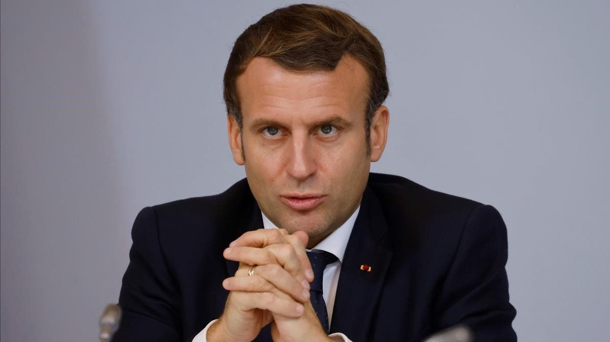 El presidente francés, Emmanuel Macron, combinó elogios y críticas en su despedida a Maradona.