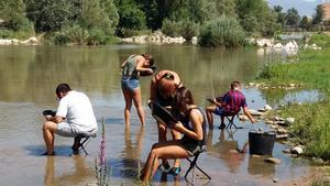 Taller de búsqueda de oro en el río Segre, organizado por el Centre d'Interpretació de l'Or.