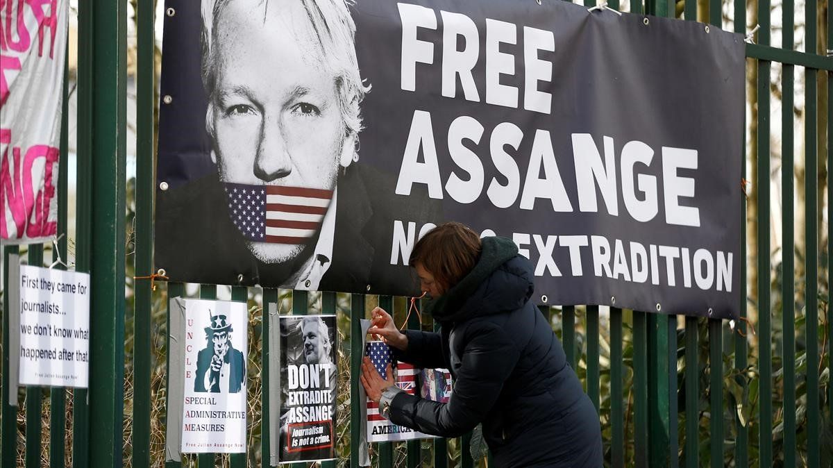 El pare de Julian Assange: «El meu fill porta 10 anys de maltractament»