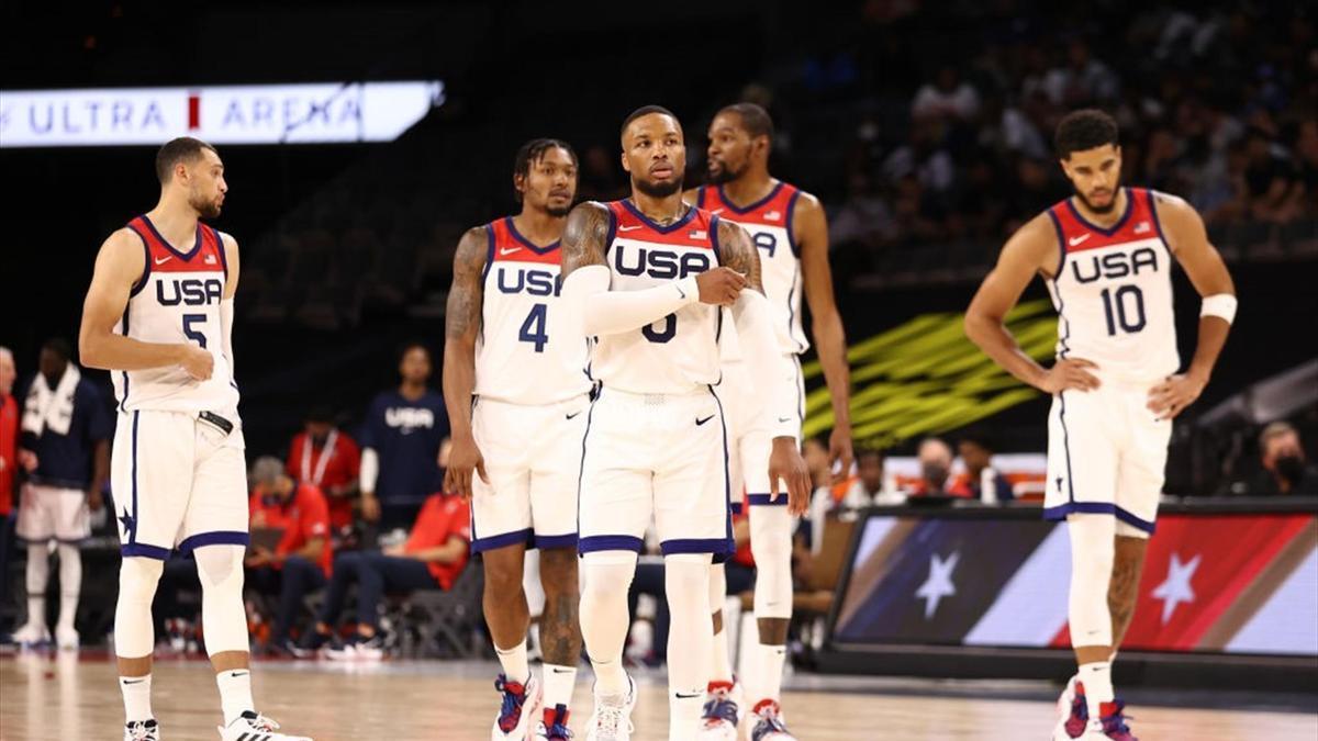 Los jugadores del Team USA, con el base Lillard al frente.