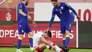 Lewandowski, en el momento de lesionarse ante Andorra.