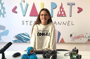 Valeria Corrales, niña youtuber apasionada de la tecnología.