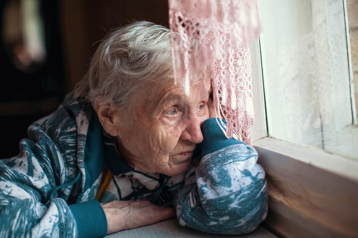 Las mujeres representan el 70,9% de los casos de personas que viven solas a partir de los 65 años