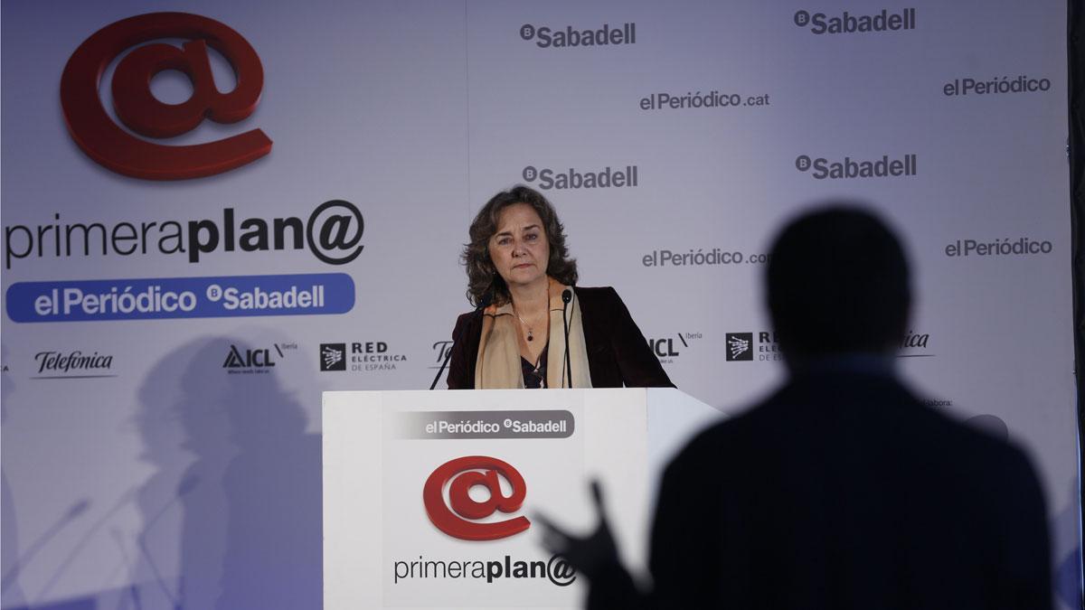 Primera Plan@: Adela Muñoz: La prensa puede ayudar mucho a las mujeres científicas.
