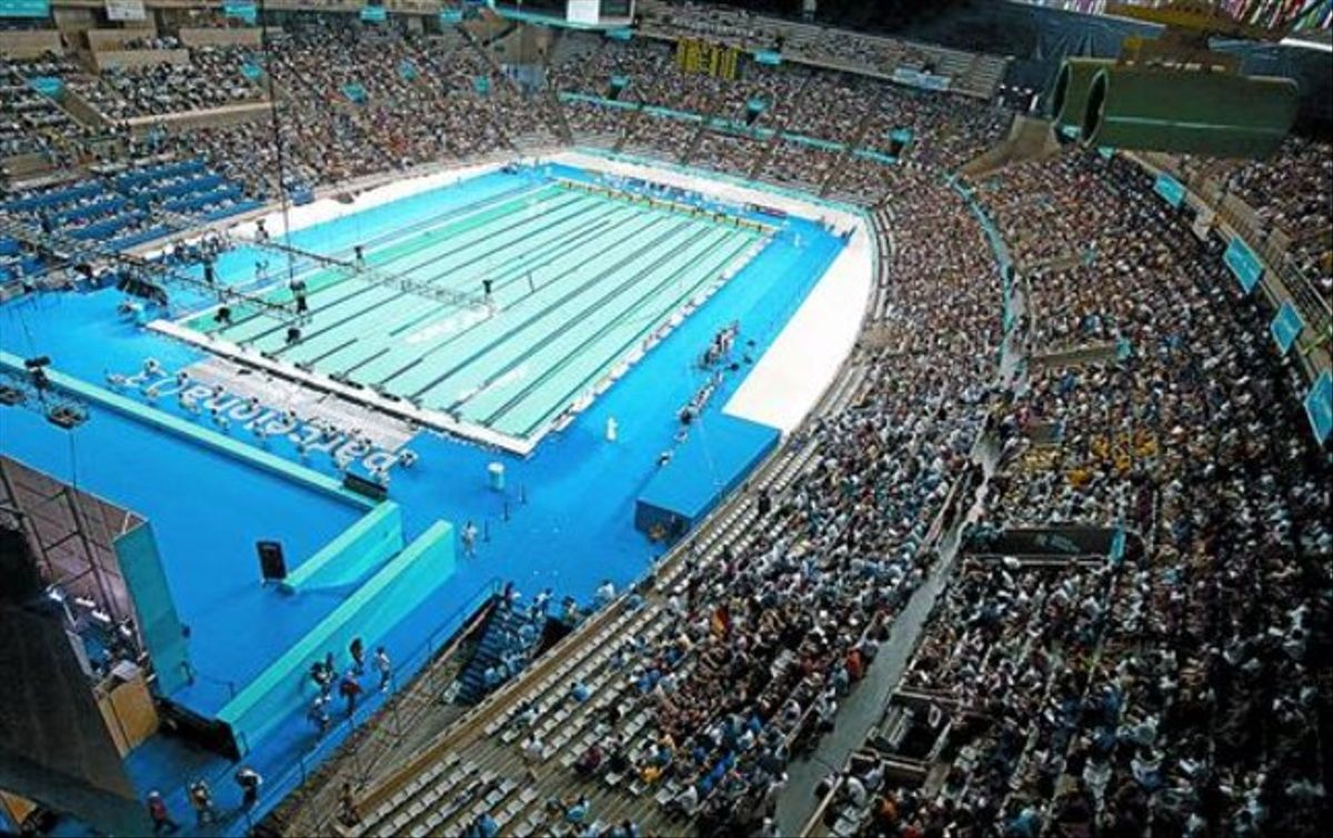 EL AVAL DEL 2003Barcelona ya acogió con éxito los Mundiales del 2003, con su piscina estrella instalada en el interior del Palau Sant Jordi. Michael Phelps se consagró como nueva estrella (cuatro oros y dos platas), se establecieron 14 récords mundiales y España cerró el torneo con seis medallas.