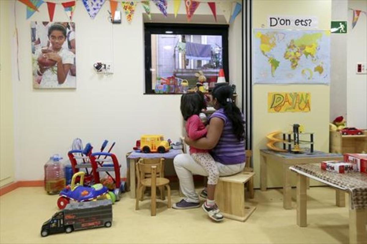 Centro de atención a las familias coordinado por Cáritas en BCN.
