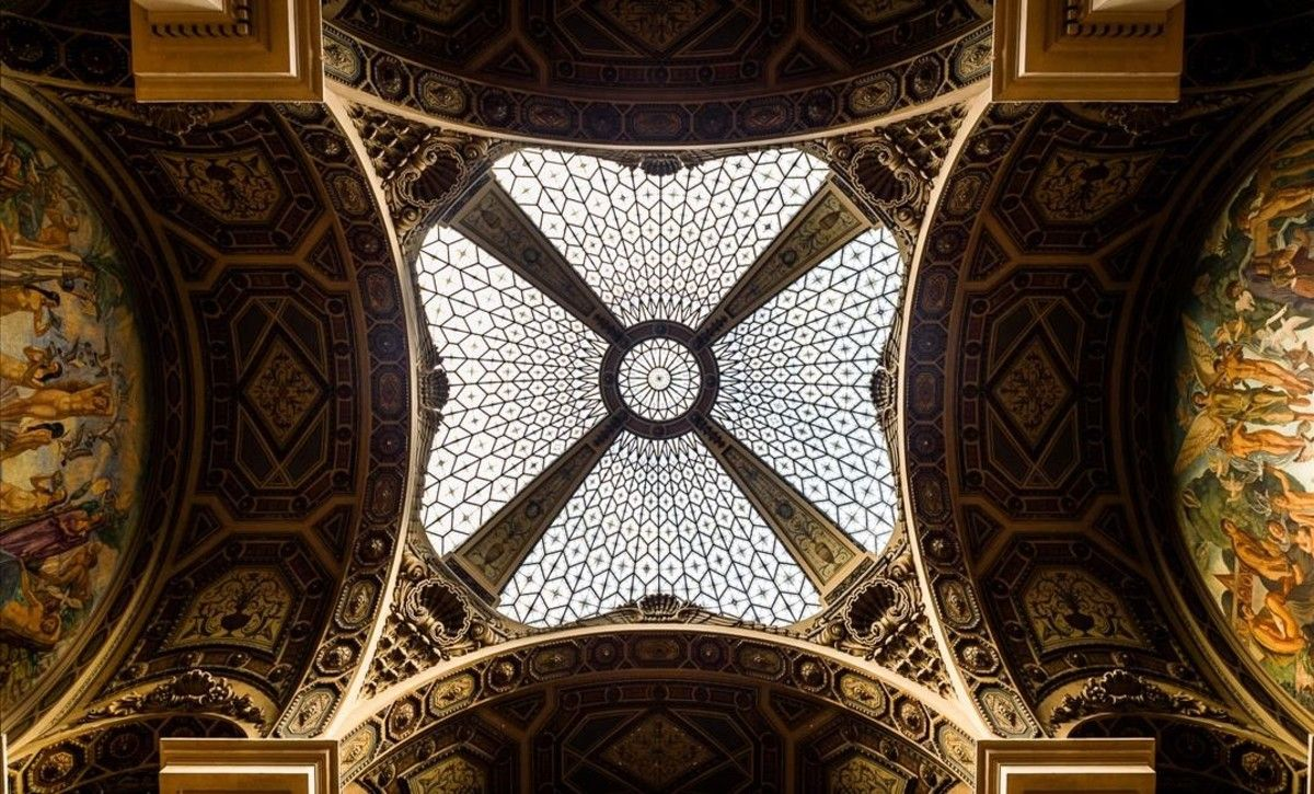 El techo del edificios de Correos.