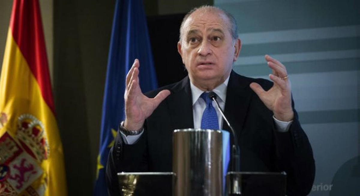 El ministro del Interior en funciones, Jorge Fernández Díaz, en una rueda de prensa en la sede de su departamento.