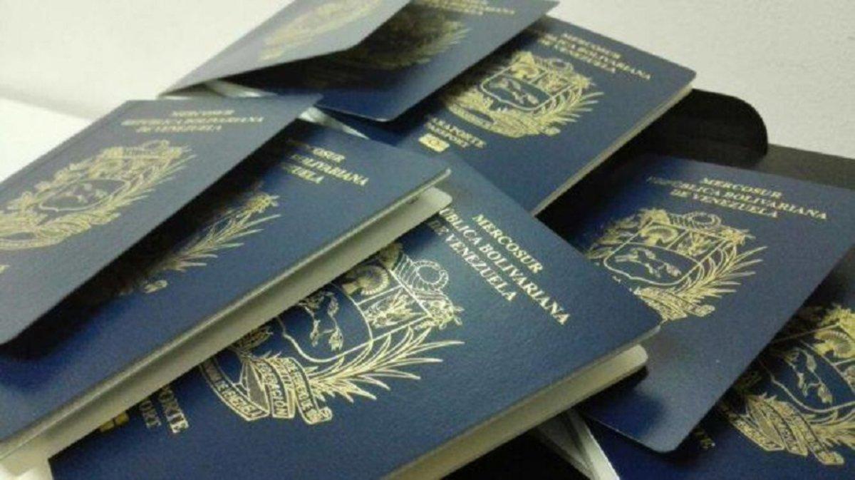 La falta de documentos actualizados supone que venezolanos que se encuentran en Canadá con visados de estudio o trabajo no pueden seguir estudiando o trabajando.