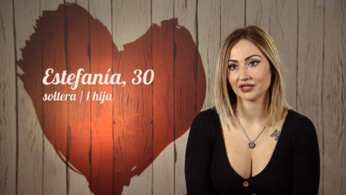 """Estefanía confiesa su fetiche en 'First dates': """"Lo que me llama la atención es que tenga un buen aparato"""""""