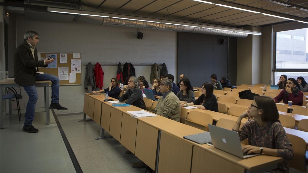 Clase de filosofía en la Universitat de Barcelona.