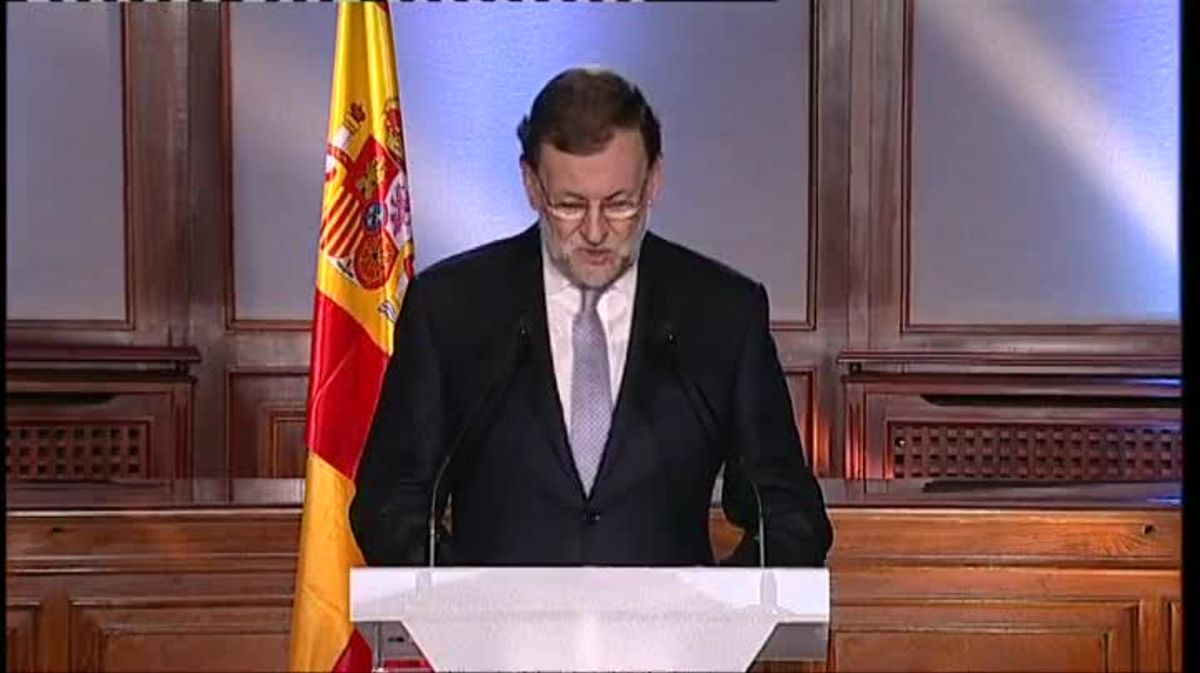 El presidente del Gobierno de España, Mariano Rajoy, ha anunciado que tras la reunión del Consejo de Ministros del próximo miércoles se va a presentar inmediatamente al Tribunal Constitucional el recurso del Gobierno para dejar sin valor la resolución aprobada esta misma mañana en el Parlament catalán de ruptura con España.