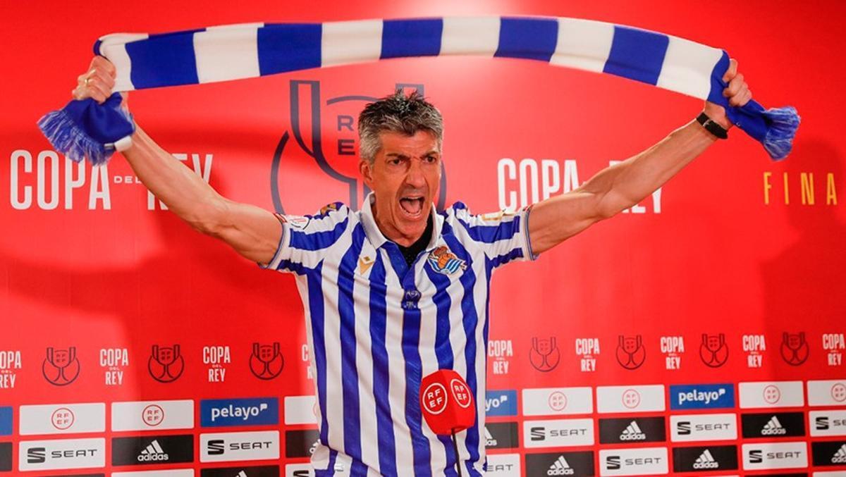 El técnico de la Real Sociedad, en modo hincha, tras ganar la Copa del Rey.
