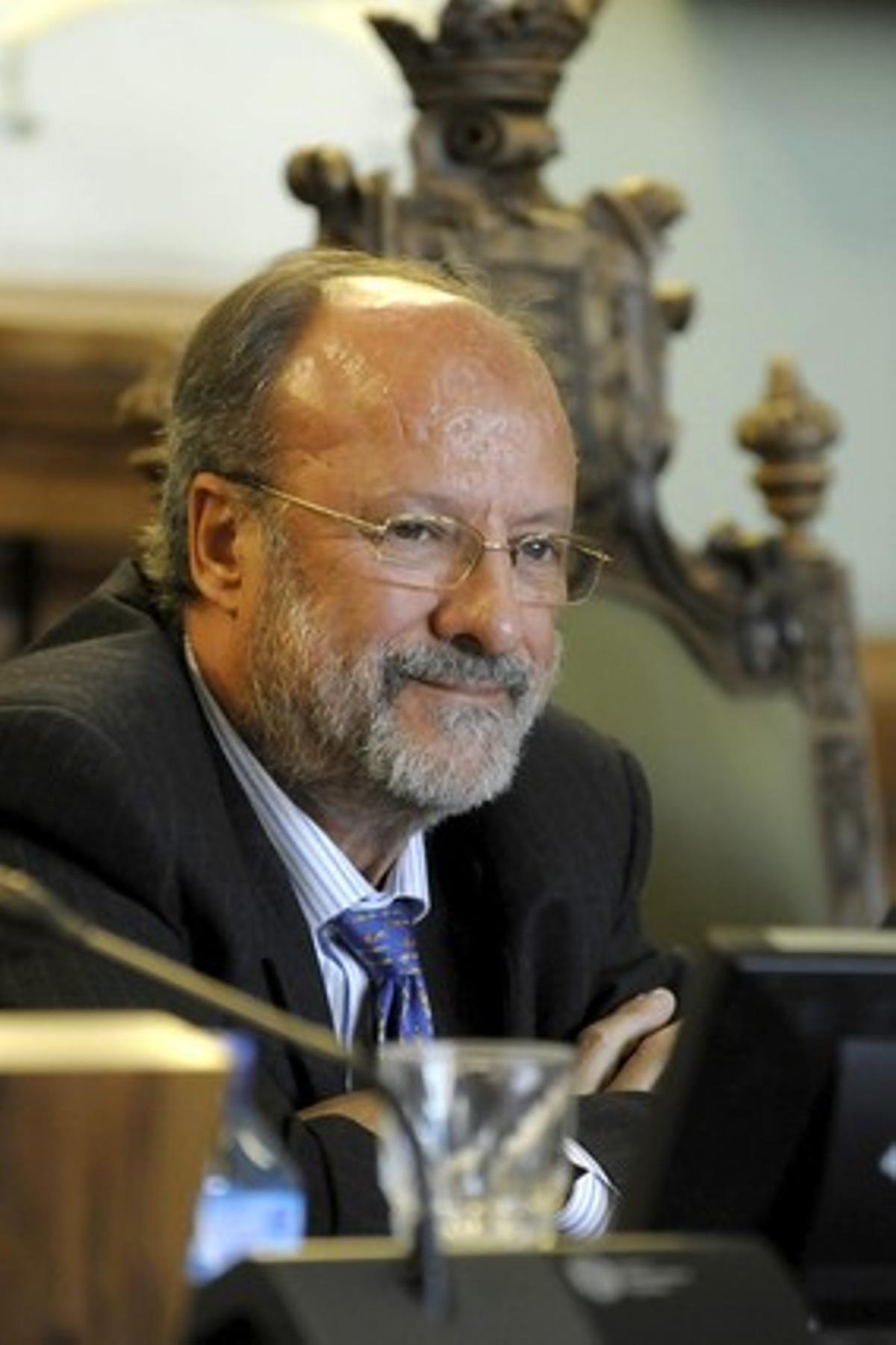 El alcalde de Valladolid, Javier León de la Riva, durante la celebración de un pleno.