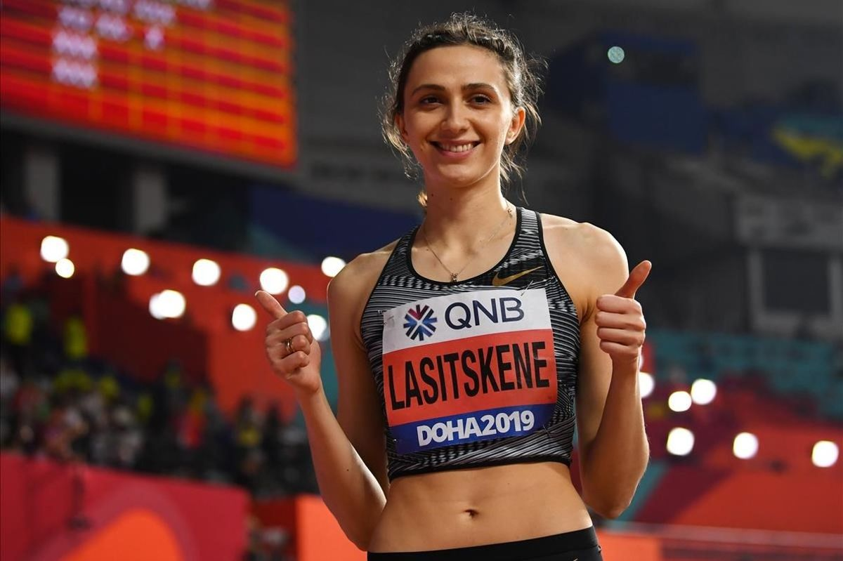 Maria Lasitskene sonríe en Doha el pasado septiembre tras revalidar su título mundial de altura