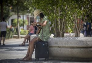 El número de turistas extranjeros se ha reducido un 75,9% este mes de agosto