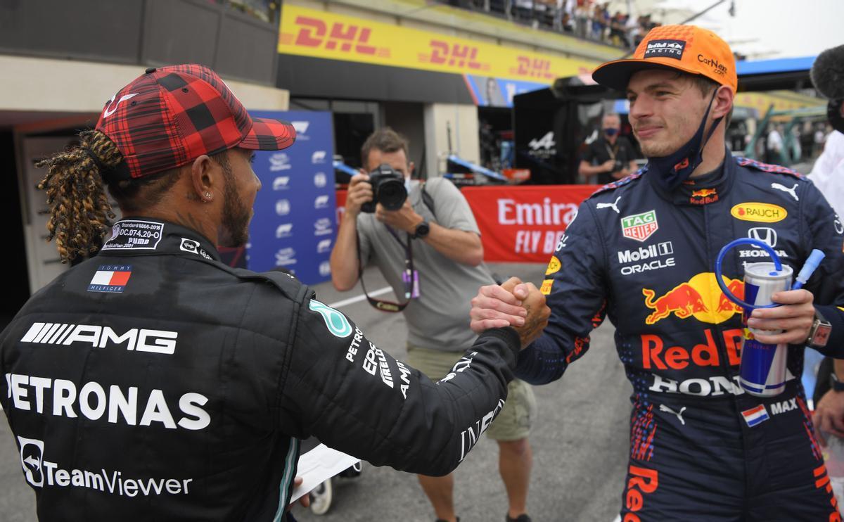Verstappen va por Hamilton en Silverstone
