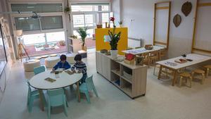 Vista de un aula de infantil de la Escola Poblenou recién reformada.
