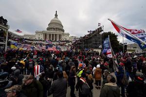 Partidarios de Trump durante el asalto al Capitolio.