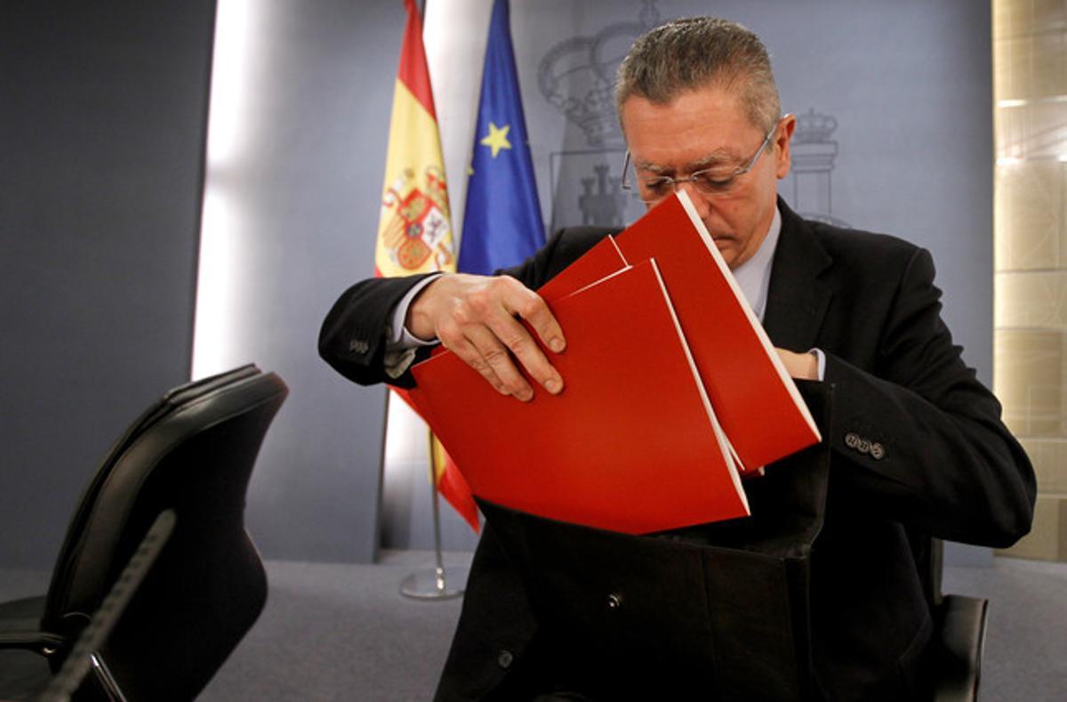 El ministro de Justicia, Alberto Ruiz-Gallardón, en una rueda de prensa posterior al Consejo de Ministros.
