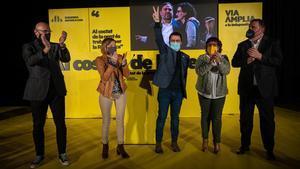 Raül Romeva, Carme Forcadell, Pere Aragonès, Dolors Bassa y Oriol Junqueras en el acto final campaña electoral de ERC.