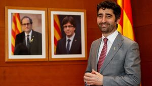 La Generalitat dejará a los funcionarios trabajar el 12 de octubre y 6 de diciembre, como explica Jordi Puigneró.