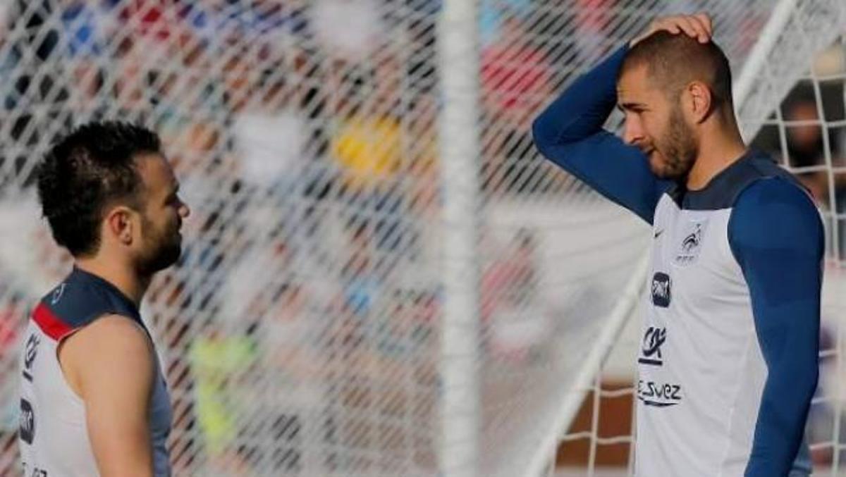 Imagen de archivo de Benzema y Valbuena durante un entrenamiento de la selección francesa.