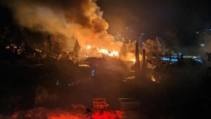 Imagen del incendio que hubo en Samos el pasado abril.