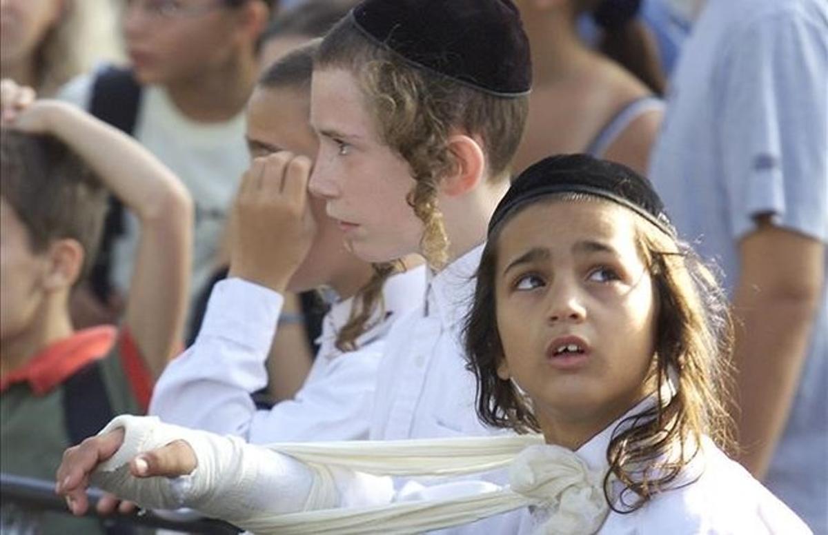 Niños judíos ultraortodoxos.