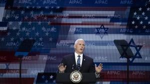 El vicepresidente Mike Pence, durante su intervención ante el AIPAC.