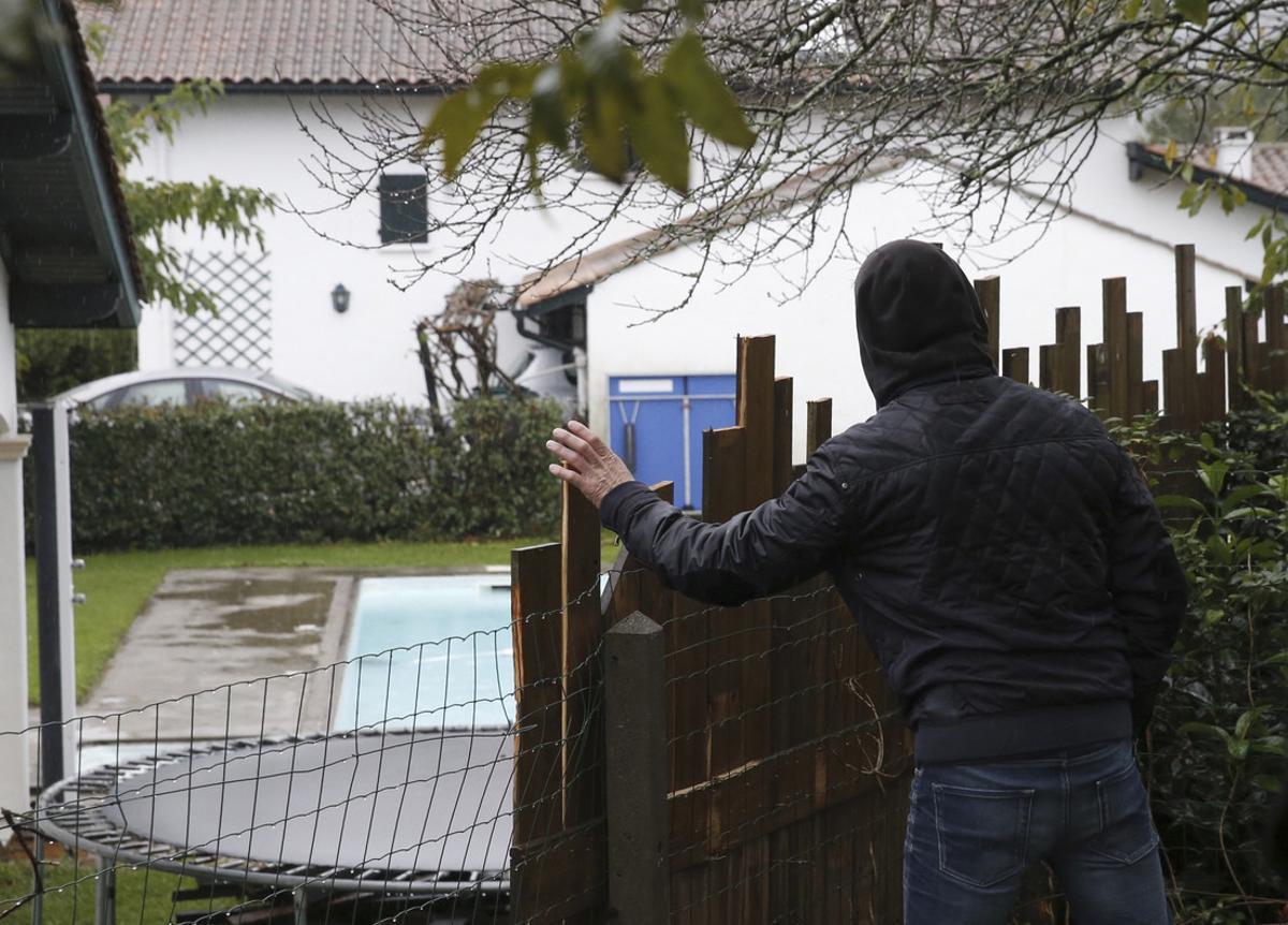 Imagen de la vivienda donde fue detenido Mikel Irastorza, en el 2016, en el barrio de Serres de Ascain (Francia).