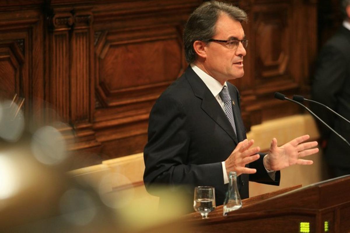 Artur Mas, durante su intervención en el pleno sobre el pacto fiscal, este miércoles en el Parlament.