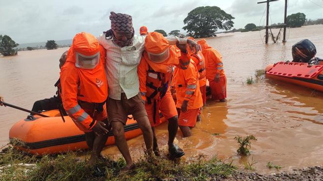 Más de un centenar de muertos y decenas de desaparecidos por lluvias torrenciales en la India