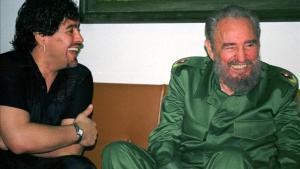 Maradona y Fidel Castro, en el Palacio de la Revolución de La Habana, en el 2001