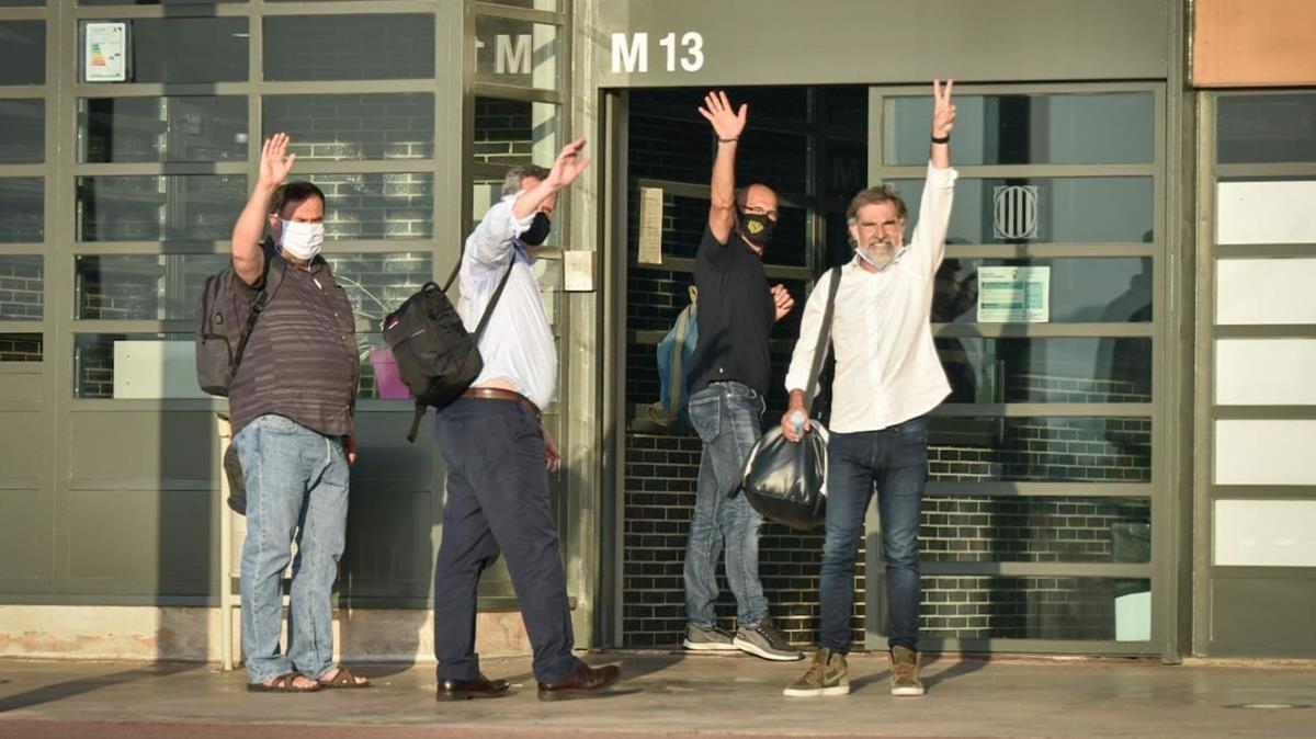 Junqueras, Forn, Romeva y Cuixart reingresan a la cárcel de Lledoners.