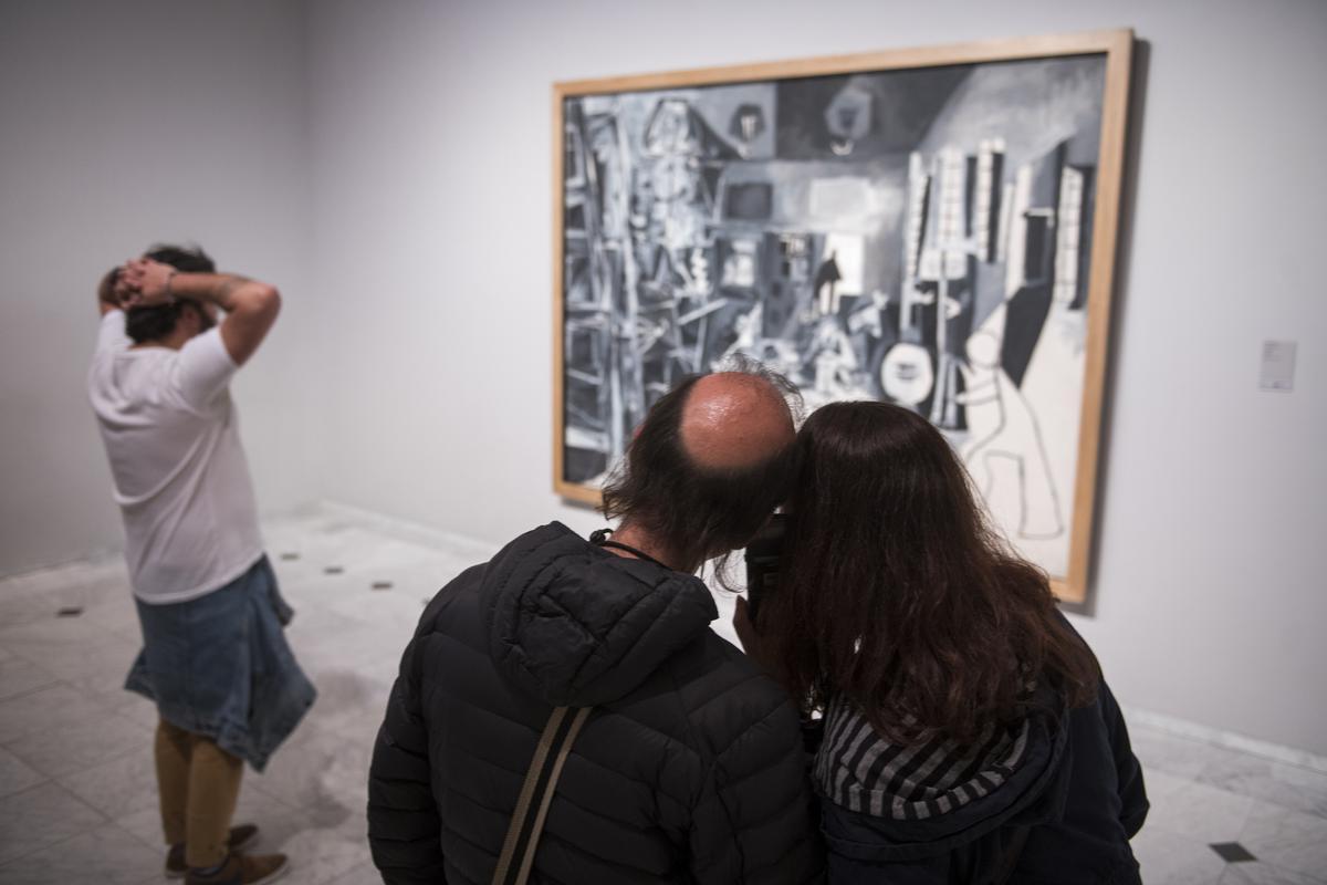 Visitantes en el Museu Picasso durante la Nit dels Museus de 2019.