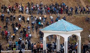 """Sánchez exige a Marruecos """"respeto a las fronteras"""" y promete """"firmeza"""" ante la """"grave crisis"""" migratoria"""